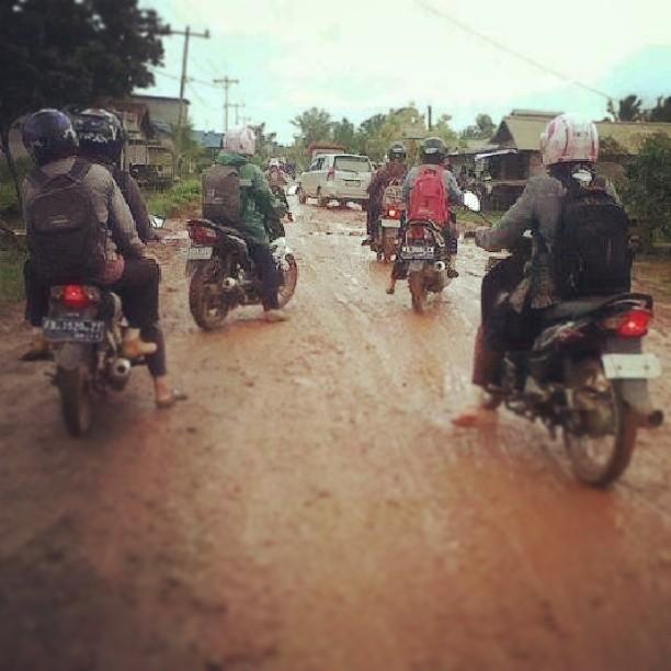 Jalan Utama sungai bakau Ketapang Foto by. Agus Kurniawan